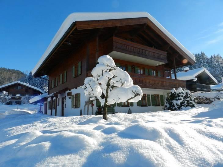 Ferienwohnungen im Haus Davis in Reit im Winkl im Winter zu vermieten
